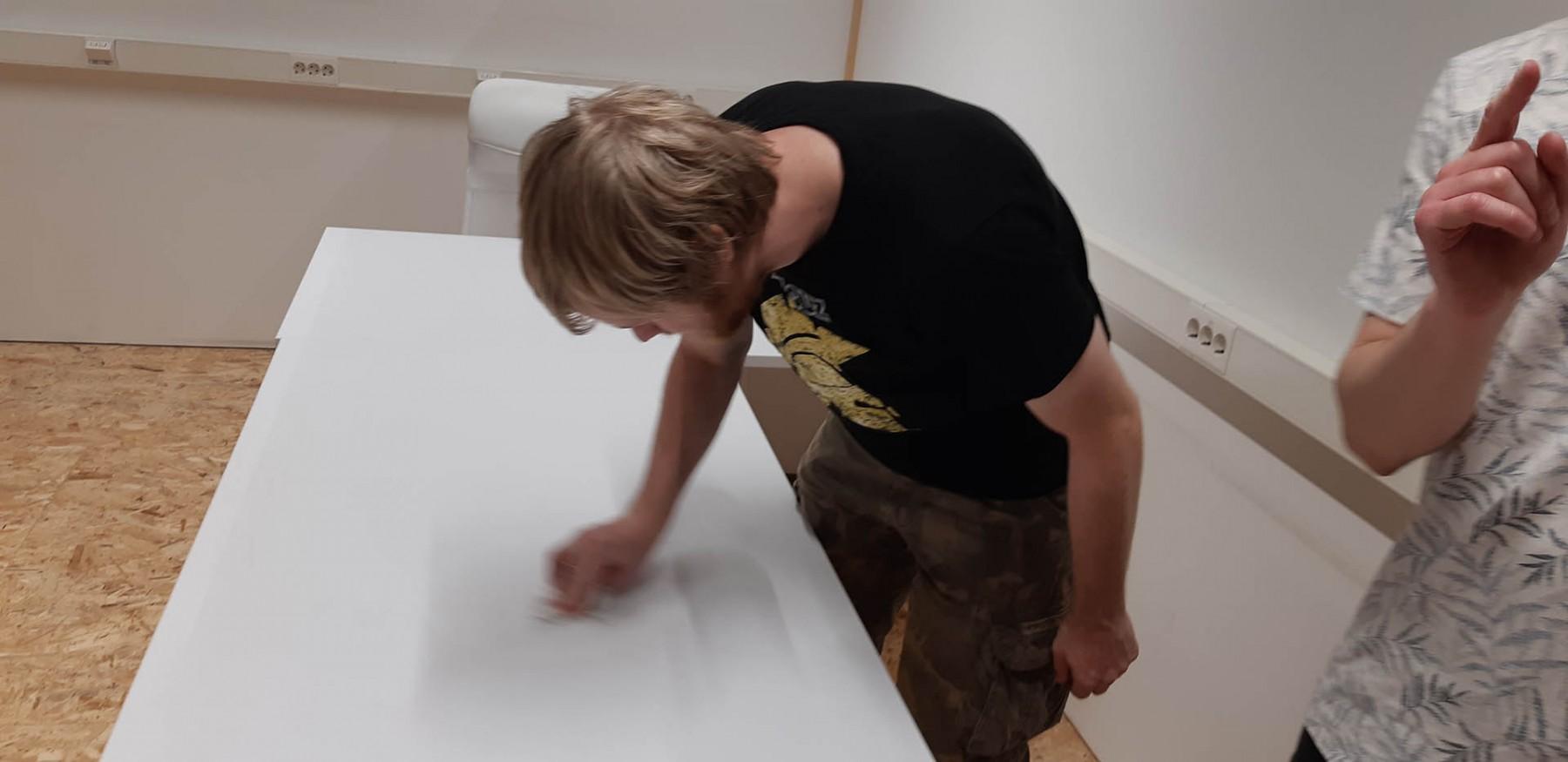 Scrub that table, Piet. Scrub it... just... like... that